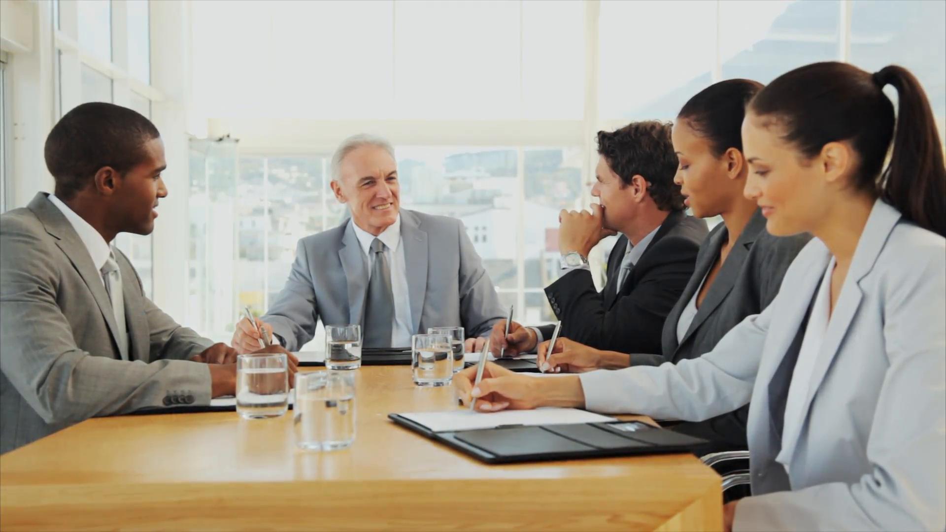 Ý NGHĨA CÁC CHỨC DANH CEO, CFO, CPO, CCO, CHRO, CMO LÀ GÌ?