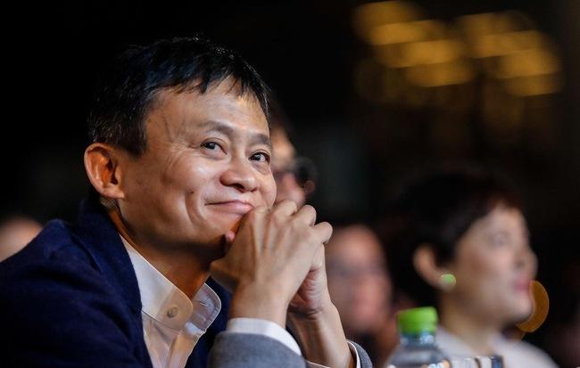 Jack Ma định nghỉ hưu từ 2004 vì bị 'cà khịa' không đủ giỏi để làm CEO
